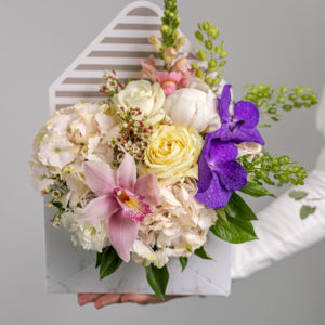 Flowers courier